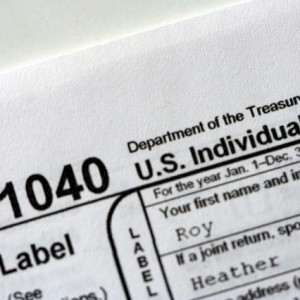 Should you pay someone to file US FBAR report for you?